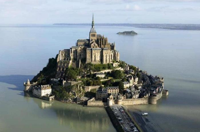 Mont-Saint-Michel.jpg